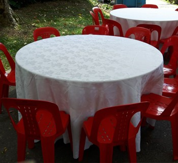 ... 3ft To 6ft Round Table   Wooden Top With Metal Joint Legs