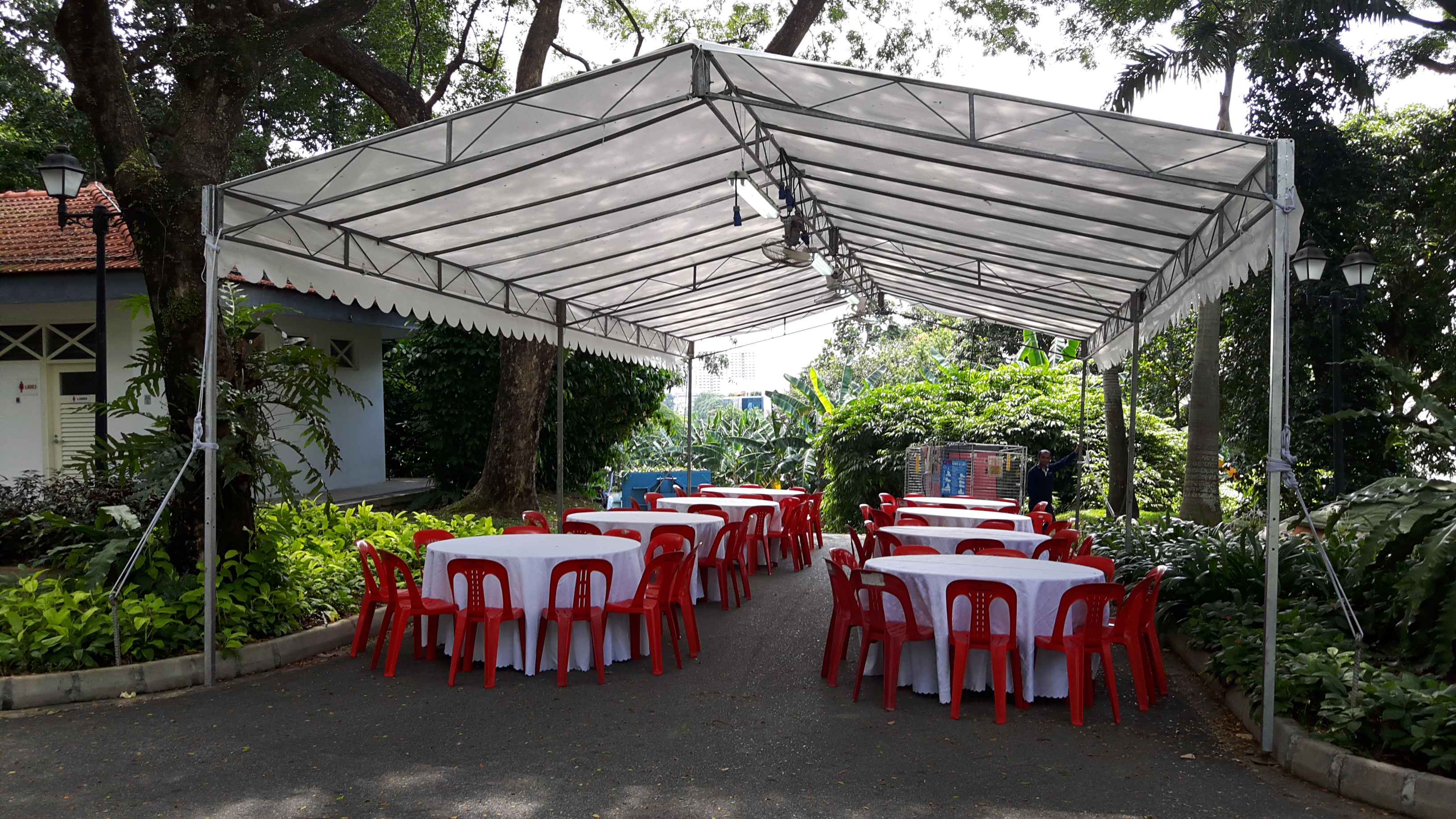Tents lian hup seng construction singapore for Cocktail tables rental singapore