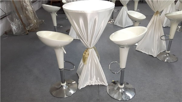 Cocktail Table with Cloth Ribbon