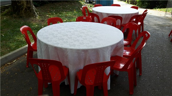 Round Table with White Table Cloth
